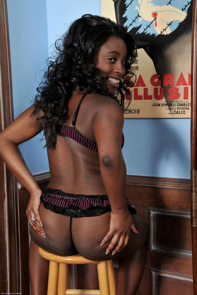 nude-rani-ebony-black-ethinc-teen-amateur-sweet-young-ass